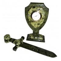 Щит и меч с часами